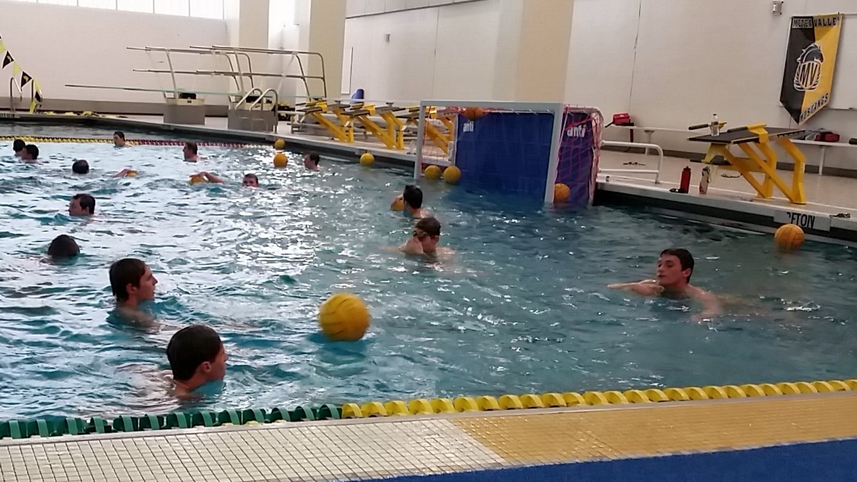 Boys water polo takes strong record into sectionals