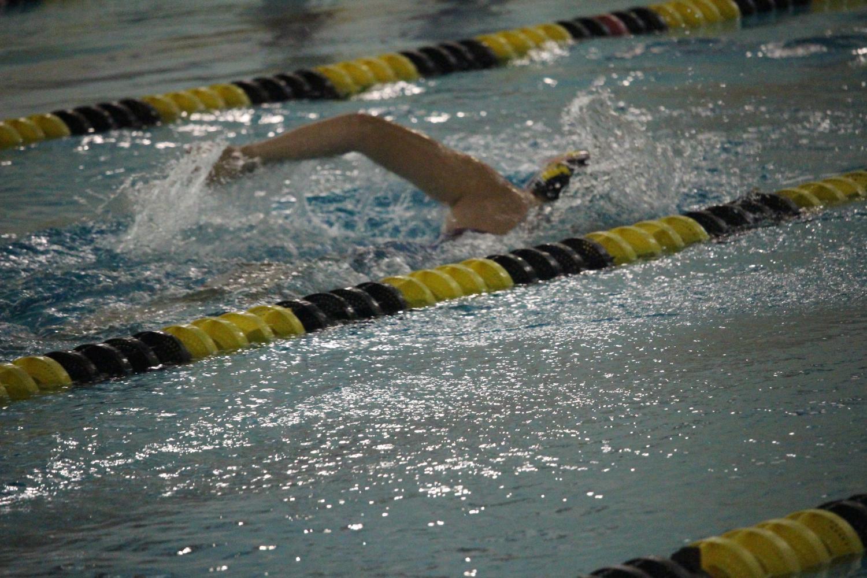 Girls%27+swim+starts+season+off+strong