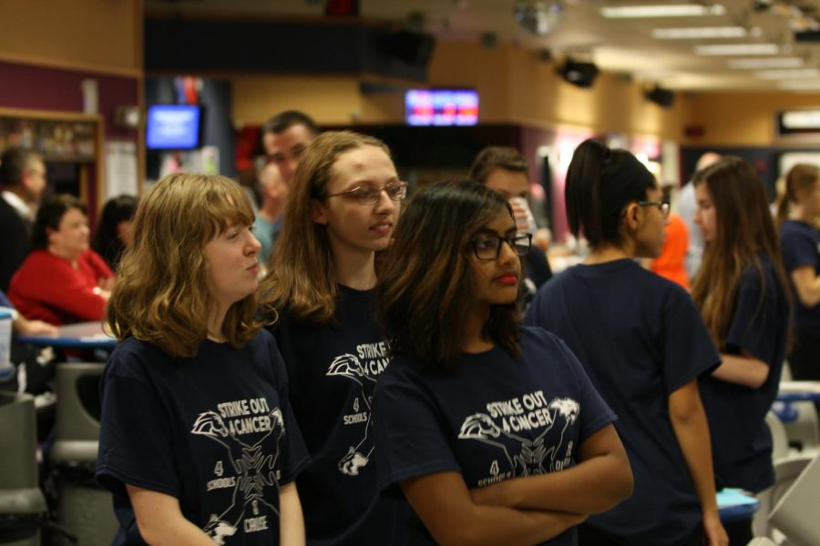 Bowling+raises+money+for+St.Jude+at+the+annual+Strike+Out+Cancer+event