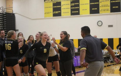 Girls' volleyball falls in down-to-the-wire home opener