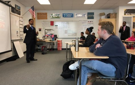 The Mayor of Aurora  visits Metea students to discuss his occupation