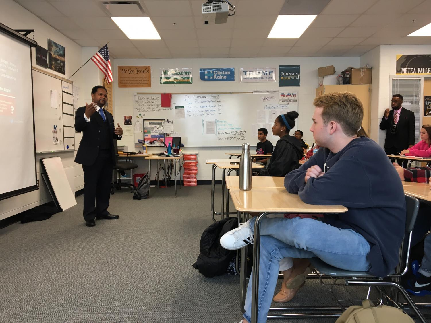 Richard Irvin talks to a Period 4 Government class about his position as Mayor.