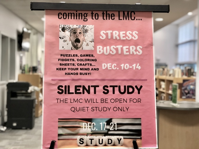 Stress+busters+in+the+library+help+students+unwind+before+finals