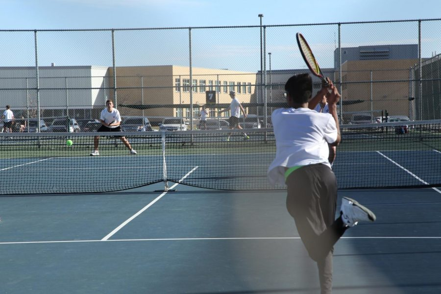 The+Mustangs+fought+a+close+match+against+St.+Charles+North%2C+ending+the+game+3-4.
