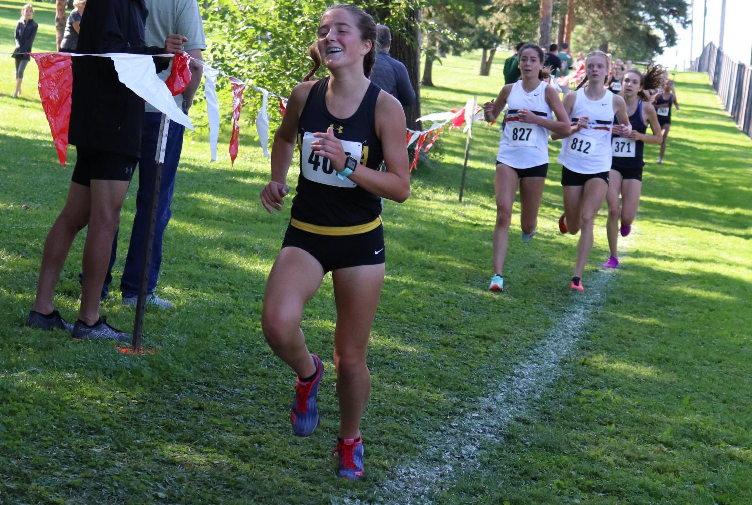 Sophomore Sarah Maggio heads towards the finish line.