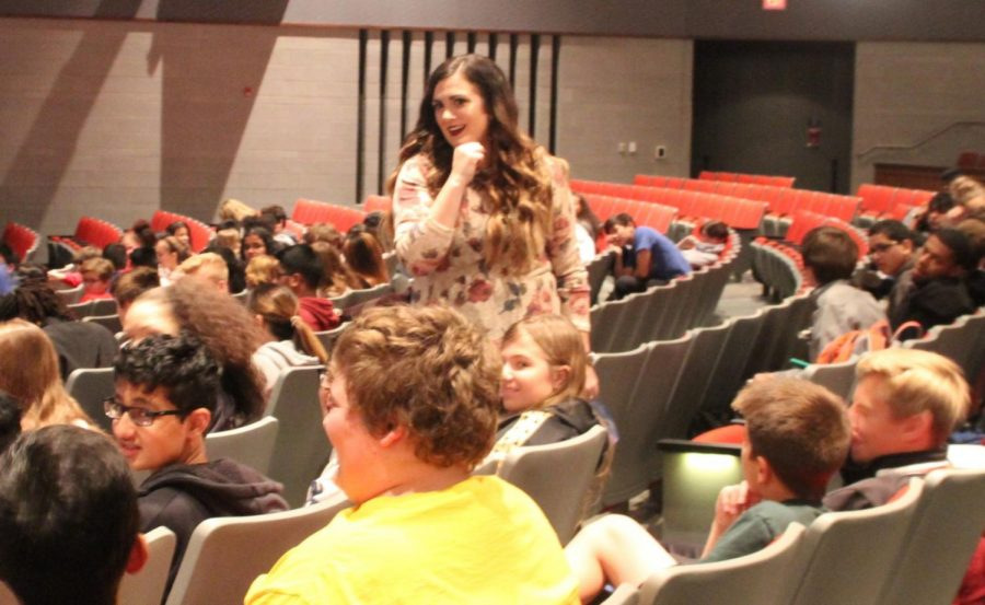 Shelby Mahurin, author of Serpent and Dove answers questions from the students