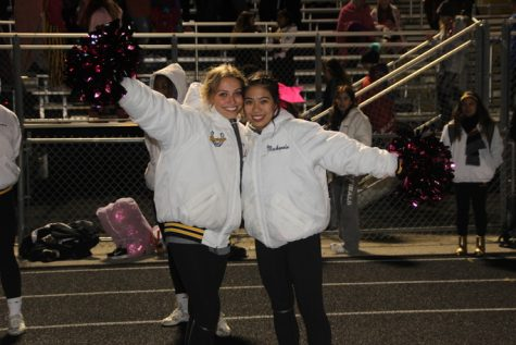 "Gallery: Students show their football spirit with a ""pink out"" theme"