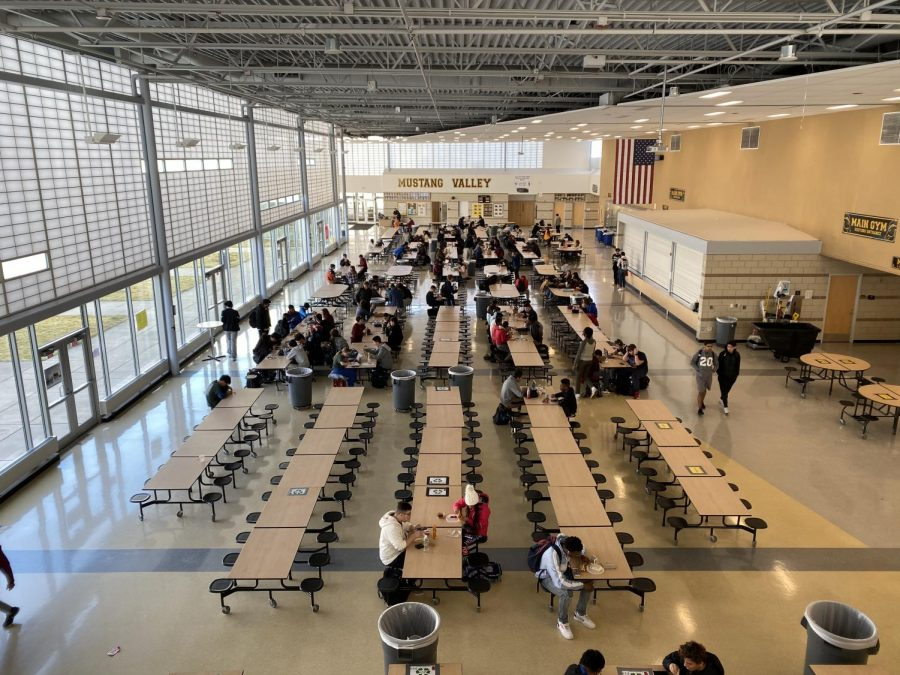 Lunch+periods+were+noticeably+thinner+on+Thursday.+Approximately+2%2C000+students+did+not+attend+school%2C+following+threats+against+the+school+earlier+in+the+week.