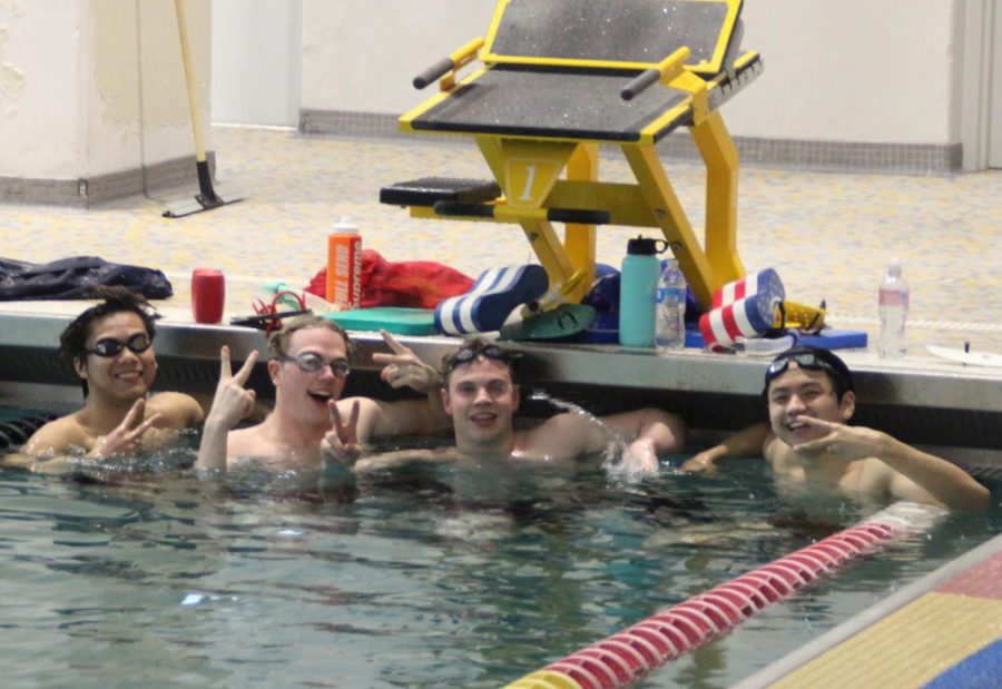 The+Mustangs+continue+to+practice+for+their+post-season.+IHSA+Sectionals+will+be+Feb.+22