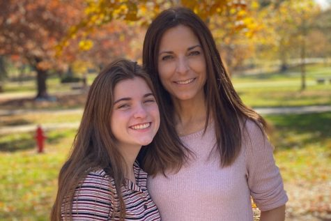 Ashley Hallissey and her mother, Pamela Hallissey at Illinois State University.